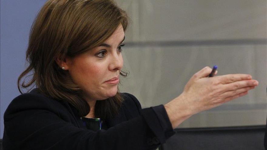 Sáenz de Santamaría expresa respeto al caso Bárcenas, pendiente de decisión judicial