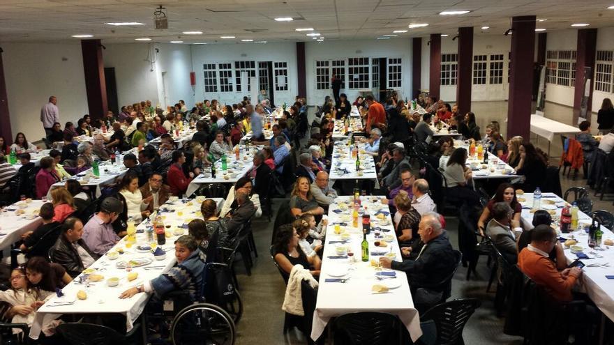 En la imagen, asistentes a la cena solidaria celebrada en El Paso.