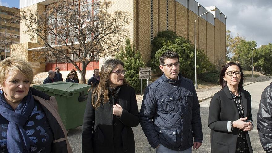 Jorge Rodríguez, entre Mónica Oltra y Maria Josep Amigó, en el complejo sanitario de Bétera