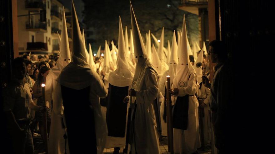 Hermandad de 'Los Negritos' en la Semana Santa de Sevilla.