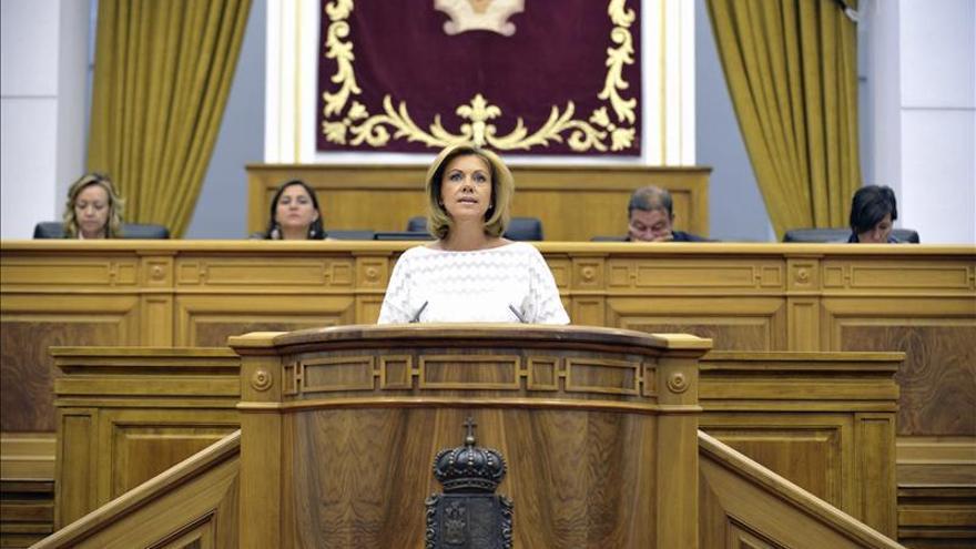 Cospedal anuncia una rebaja en el tramo autonómico del IRPF en Castilla-La Mancha
