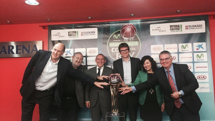 Gobierno vasco, Diputación de Álava y Ayuntamiento de Vitoria firman con ACB el acuerdo para acoger la Copa del Rey