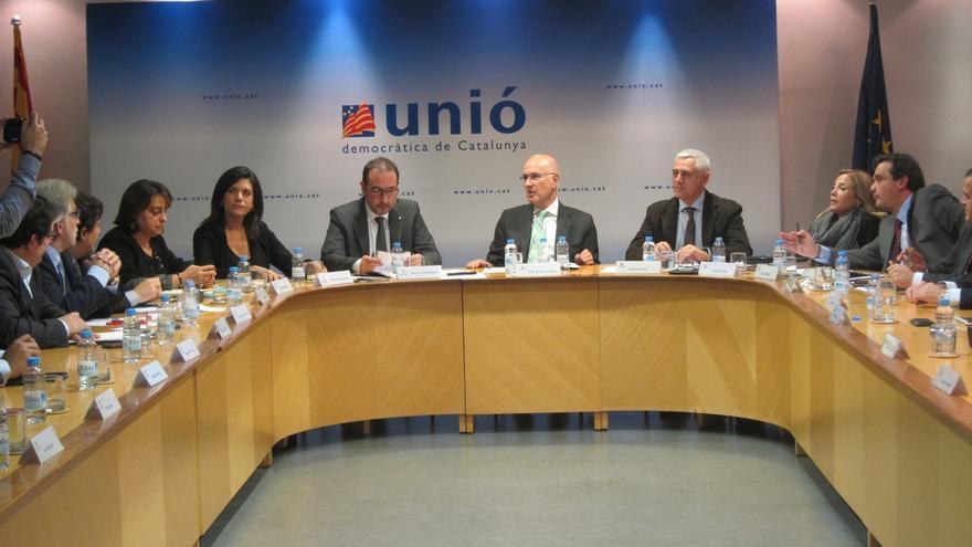 UDC rechaza anticipadas y exige a Rajoy que recapacite para negociar una consulta legal