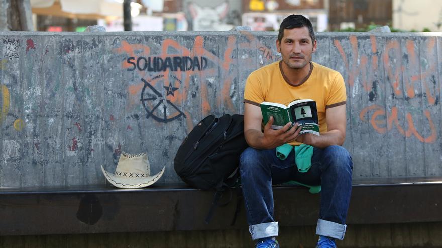 Lagarder Danciu el activista de la pobreza que lleva más de un año viviendo en la calle / Foto: Marta Jara