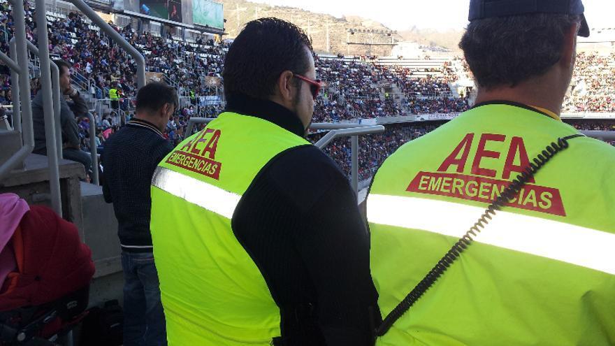 Personal de AEA en el recibimiento de Los Reyes Magos en el Estadio Heliodoro Rodríguez López