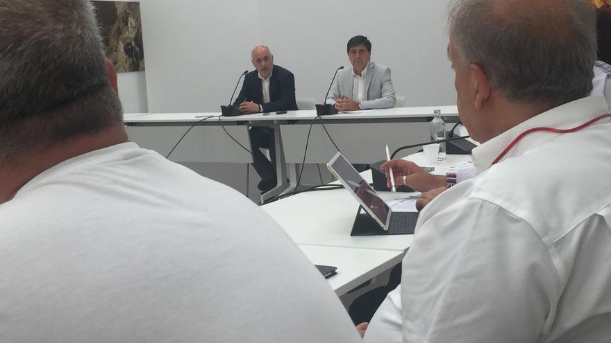 Antonio Morales y el consejero de Empleo del Cabildo de Gran Canaria, Gilberto Díaz