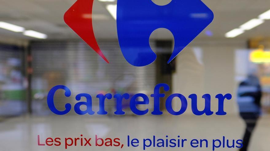 La canadiense Couche-Tard ofrece 20 euros por cada acción de Carrefour