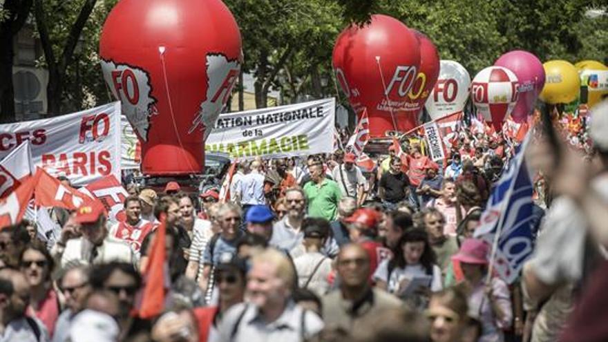 Manifestantes franceses contra la reforma laboral