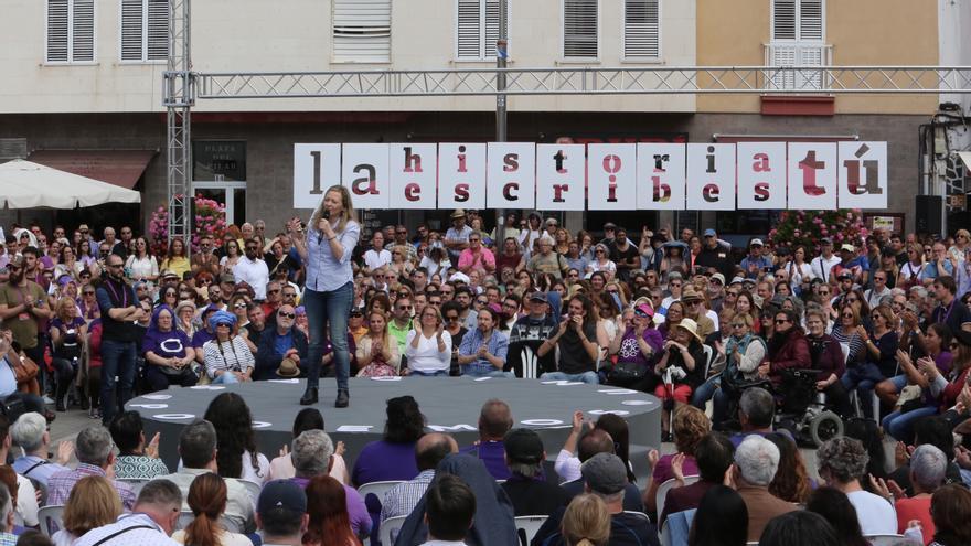 Victoria Rosell, candidata de Unidas Podemos al Congreso por Las Palmas, durante un mítin en la capital grancanaria.