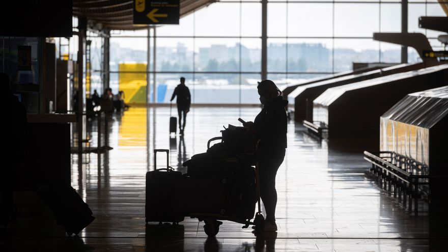 España recibe a 874.000 pasajeros internacionales en octubre, un 90 % menos