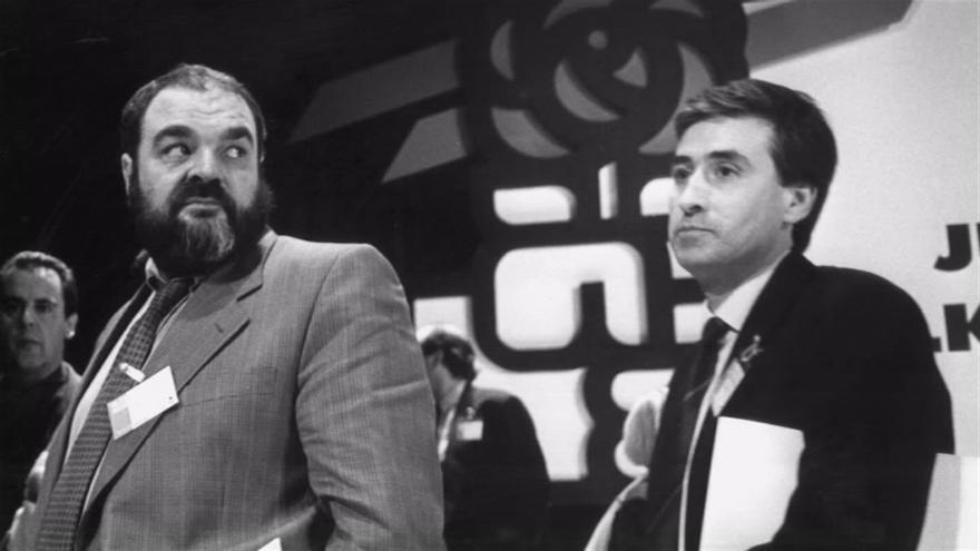 Mario Onaindia (EE) y Ramón Jauregui (PSE)