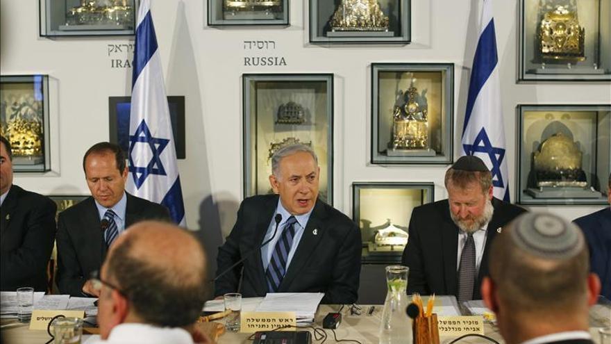 En el centro, el primer ministro israelí, Benjamin Netanyahu