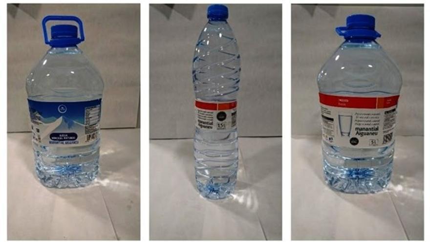 Algunos envases del agua Aiguaneu