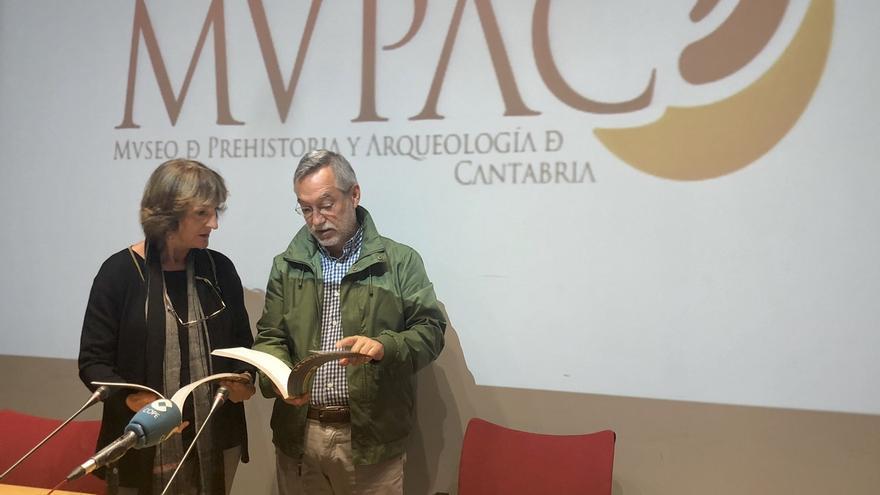 Editado un libro que recoge 25 conferencias del ciclo 'La pieza del mes' del MUPAC