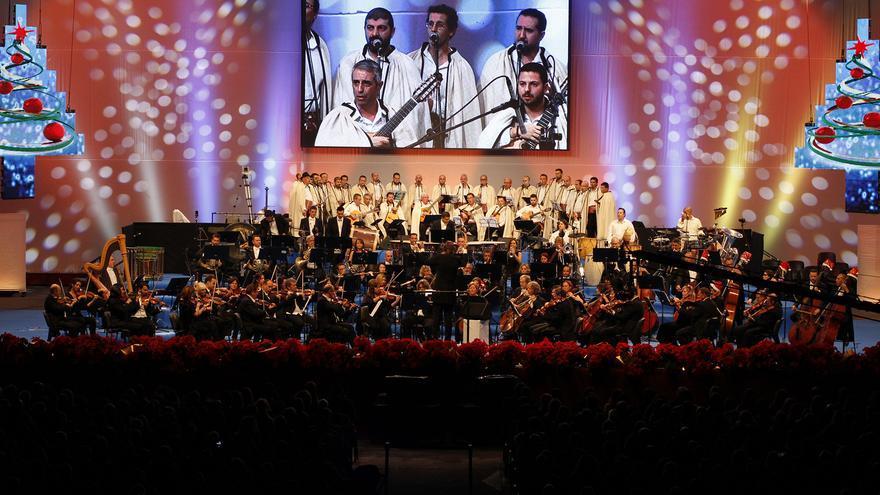 Un instante del concierto de Navidad en la instalación portuaria tinerfeña.