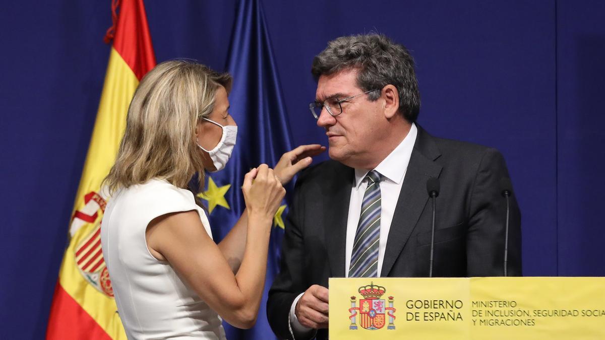 Yolanda Díaz y José Luis Escrivá en una imagen de archivo.