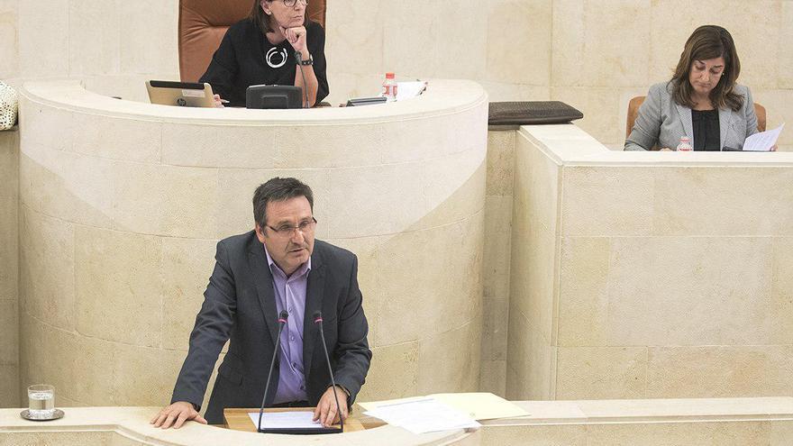 Juan Ramón Carrancio en el Parlamento de Cantabria. | JOAQUÍN GÓMEZ SASTRE