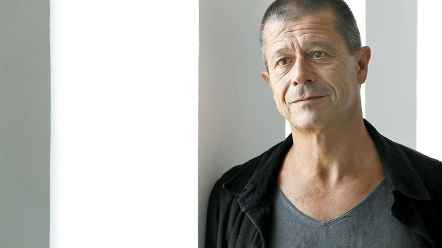El escritor francés Emmanuel Carrère gana el Premio FIL de Literatura 2017