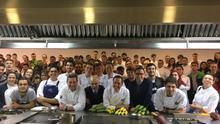 Los chefs Sergio y Javier Torres, en la clase de este lunes en Madrid