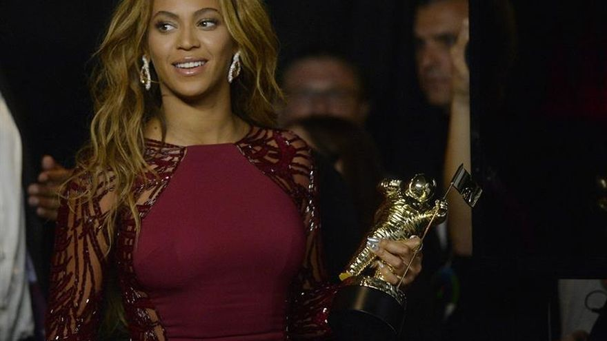 """""""Lemonade"""": polémica e infidelidades en el contundente retorno de Beyoncé"""
