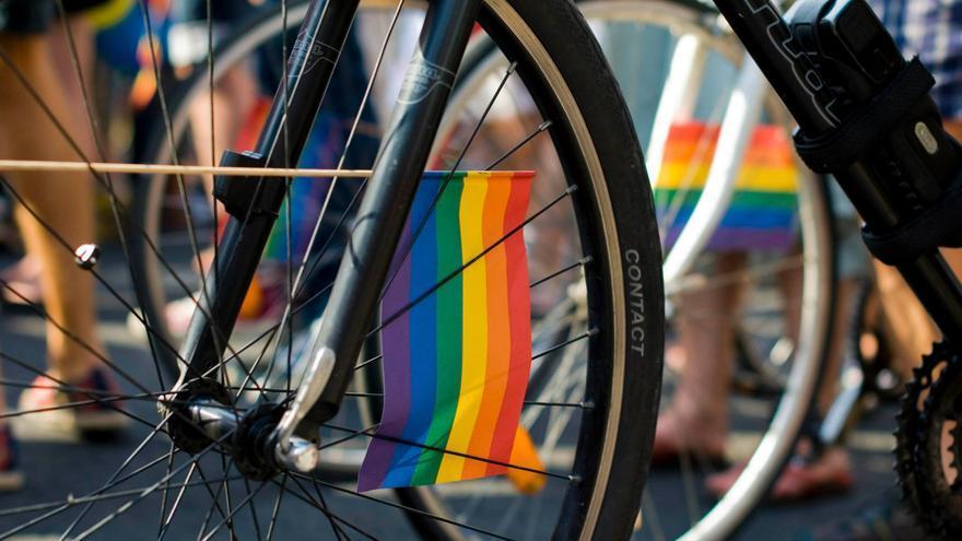 «El Orgullo puede ser tan bueno como montar en bici» / MalvaDisco.com