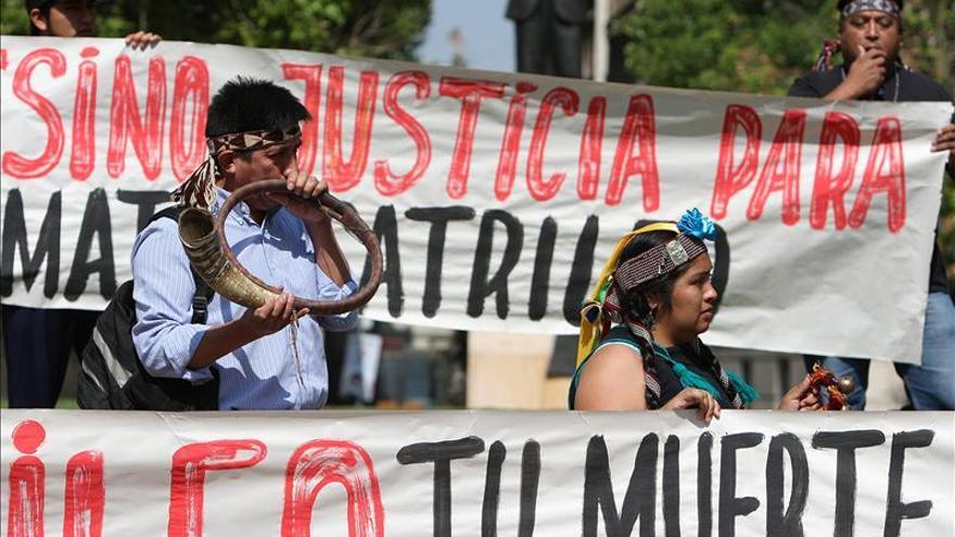 Dan de baja en Chile al policía que mató a un joven mapuche en 2008