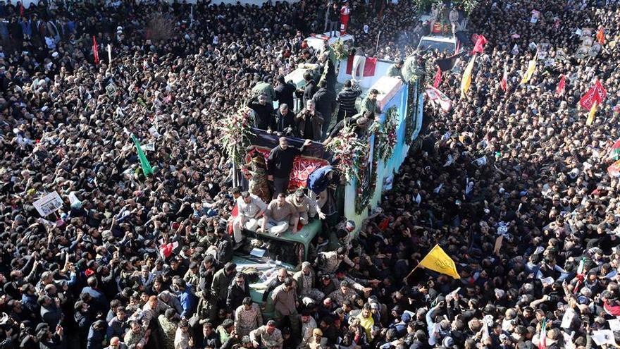 Más de 30 muertos en una estampida durante el funeral de Suleimani en Irán
