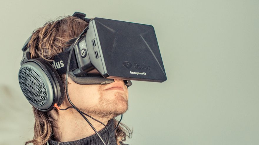 Oculus Rift. Foto: Sergey Galyonkin CC http://www.flickr.com/photos/sergesegal/10187246943/x