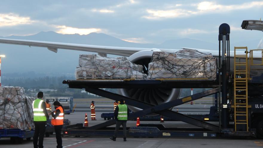 Llegan a Ecuador respiradores donados por ONG española Ayuda en Acción