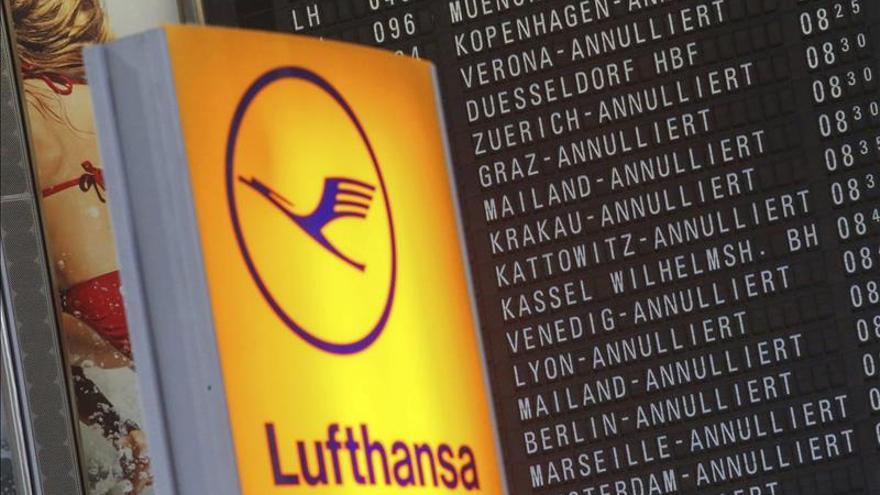 Lufthansa cancela 930 vuelos en el quinto día de huelga de personal de cabina