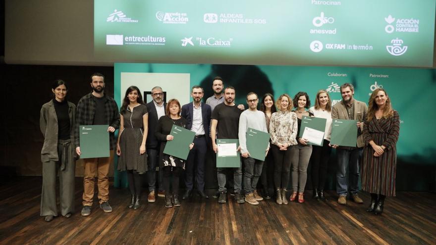 Los ganadores de los I Premios Desalambre en el acto de entrega en Madrid.