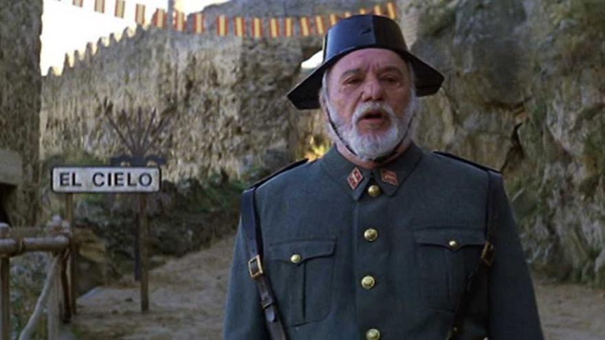 Paco Rabal como San Pedro en 'Así en el cielo como en la tierra'