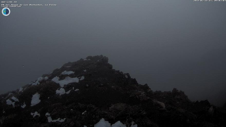 Imagen que presenta en la mañana de este lunes, 19 de febrero, las cumbres del entorno del Roque de Los Muchachos.