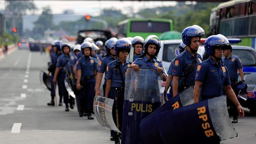 El presidente filipino anuncia un alto el fuego unilateral con la rebelión comunista