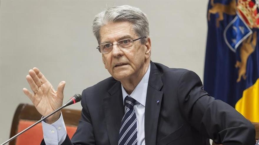 Julio Pérez, consejero de Sanidad del Gobierno de Canarias. EFE/Ramón de la Rocha