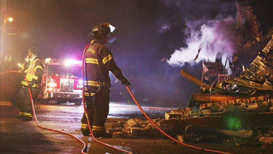Evacuado el puerto de Vancouver por un incendio de contenedores con productos tóxicos