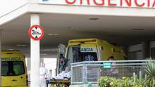 Ambulancias en el Hospital Insular de Gran Canaria.