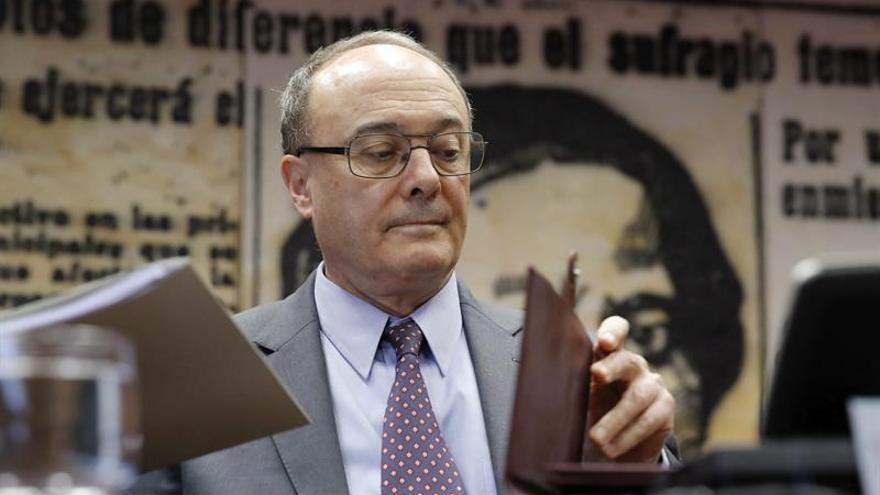Podemos e IU instan al Gobierno y a Linde a explicar la crisis del Popular