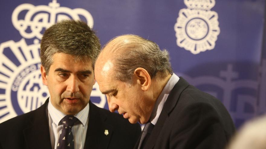 El director de la Policía junto al ministro del Interior / EFE