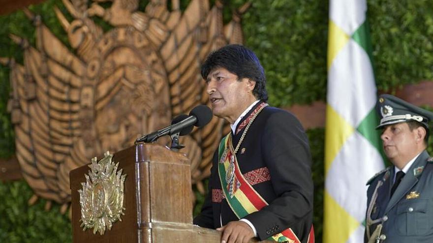 Evo Morales firma ley para construir una carretera en parque nacional Tipnis