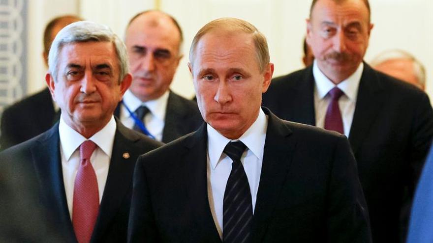 Armenia y Azerbaiyán tratan de rebajar la tensión con ayuda de Putin