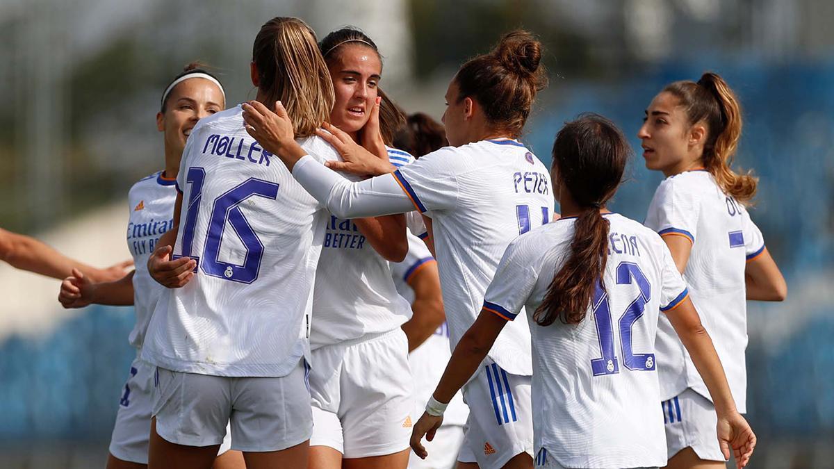 Rocío Gálvez celebrando su primer gol con el Real Madrid