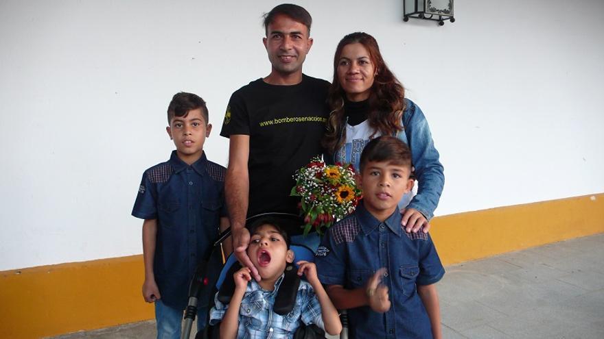 Osman, junto a su familia en su visita a Jerez.