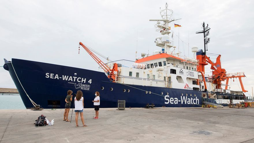 EL Sea Watch rescata a 121 migrantes en el Mediterráneo central
