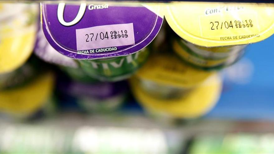 La CECU demandará a los implicados en la supresión de la fecha de caducidad en los yogures