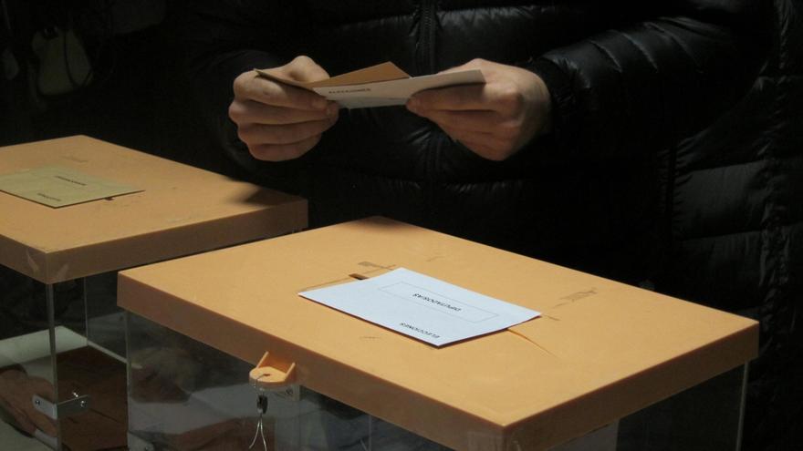 Más de 6,5 millones de andaluces podrán votar este domingo en las elecciones, 3.470 más que en diciembre