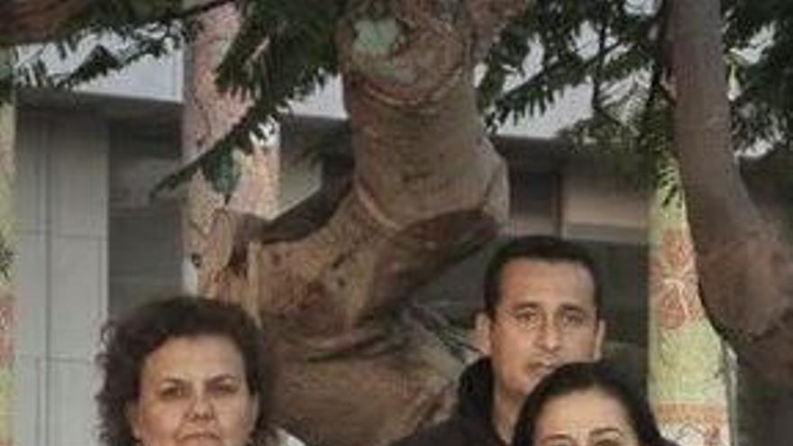 Carmen Acosta junto a los concejales socialistas.