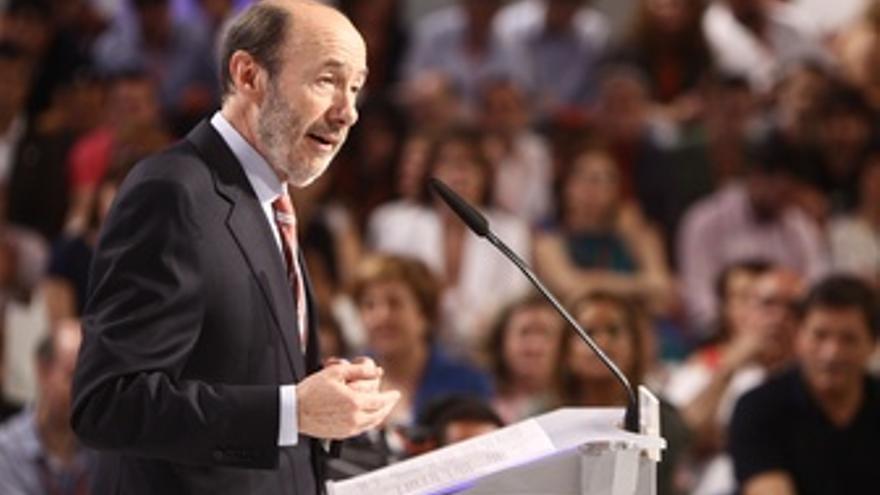 Alfredo Pérez Rubalcaba, en pleno mitin.