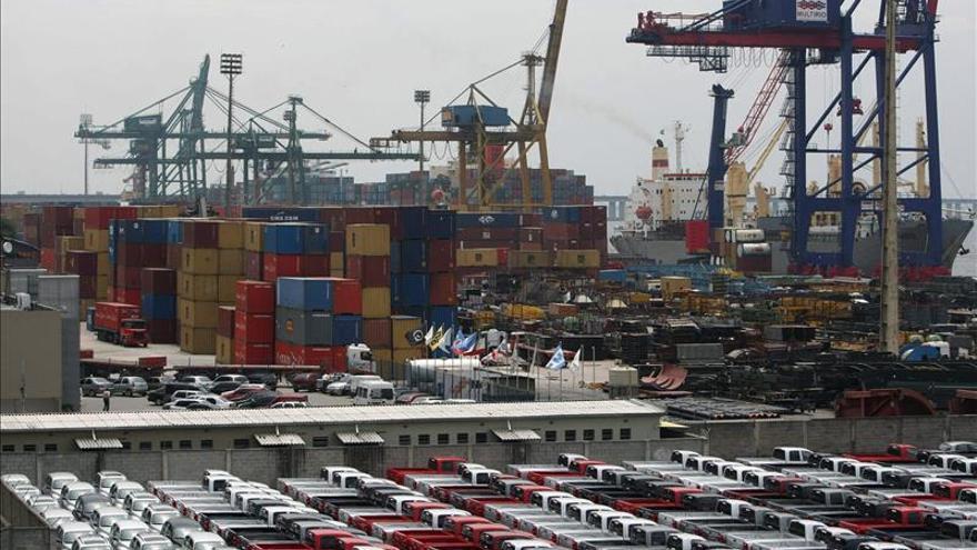 El déficit comercial de EE.UU. subió en marzo un 43 por ciento y fue el mayor desde 2008