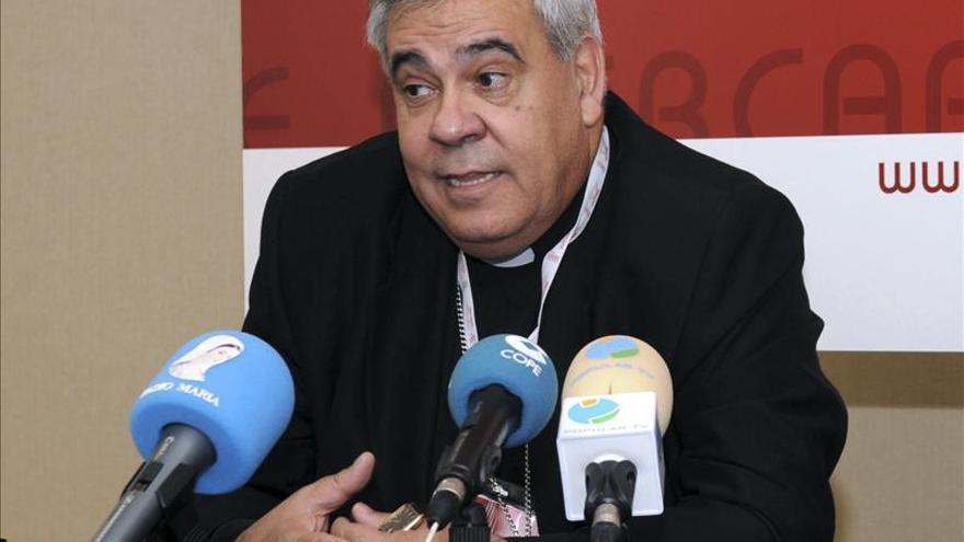 IU compara al arzobispo de Granada con el imán de Fuengirola